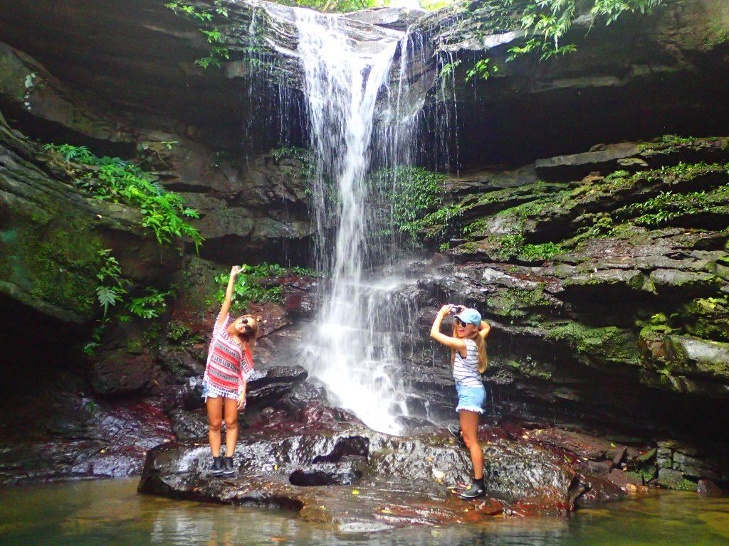 クーラの滝で滝遊び