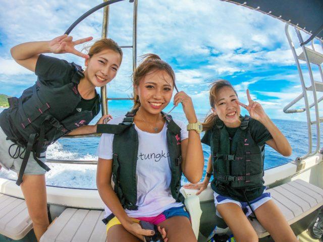 西表島、奇跡の島バラス島シュノーケリング、船で、友達と