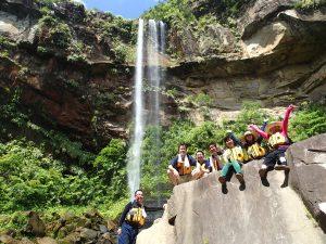 西表ランキング1位の観光スポットピナイサーラの滝