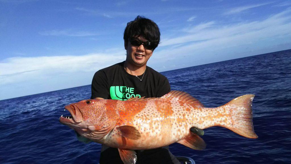 西表島で釣り上げた1mを越える魚