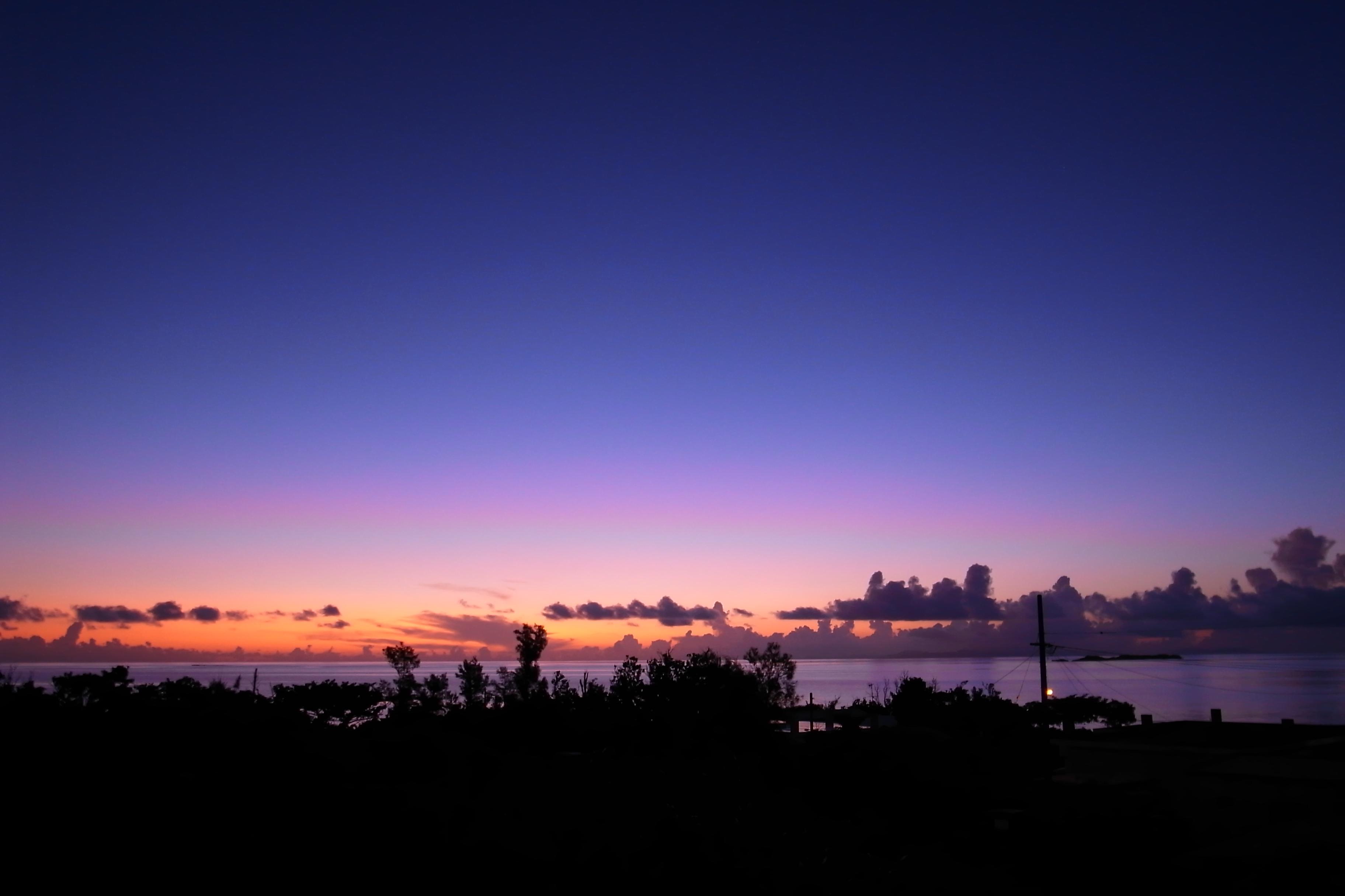 カップルで見るなら西表島の夕日
