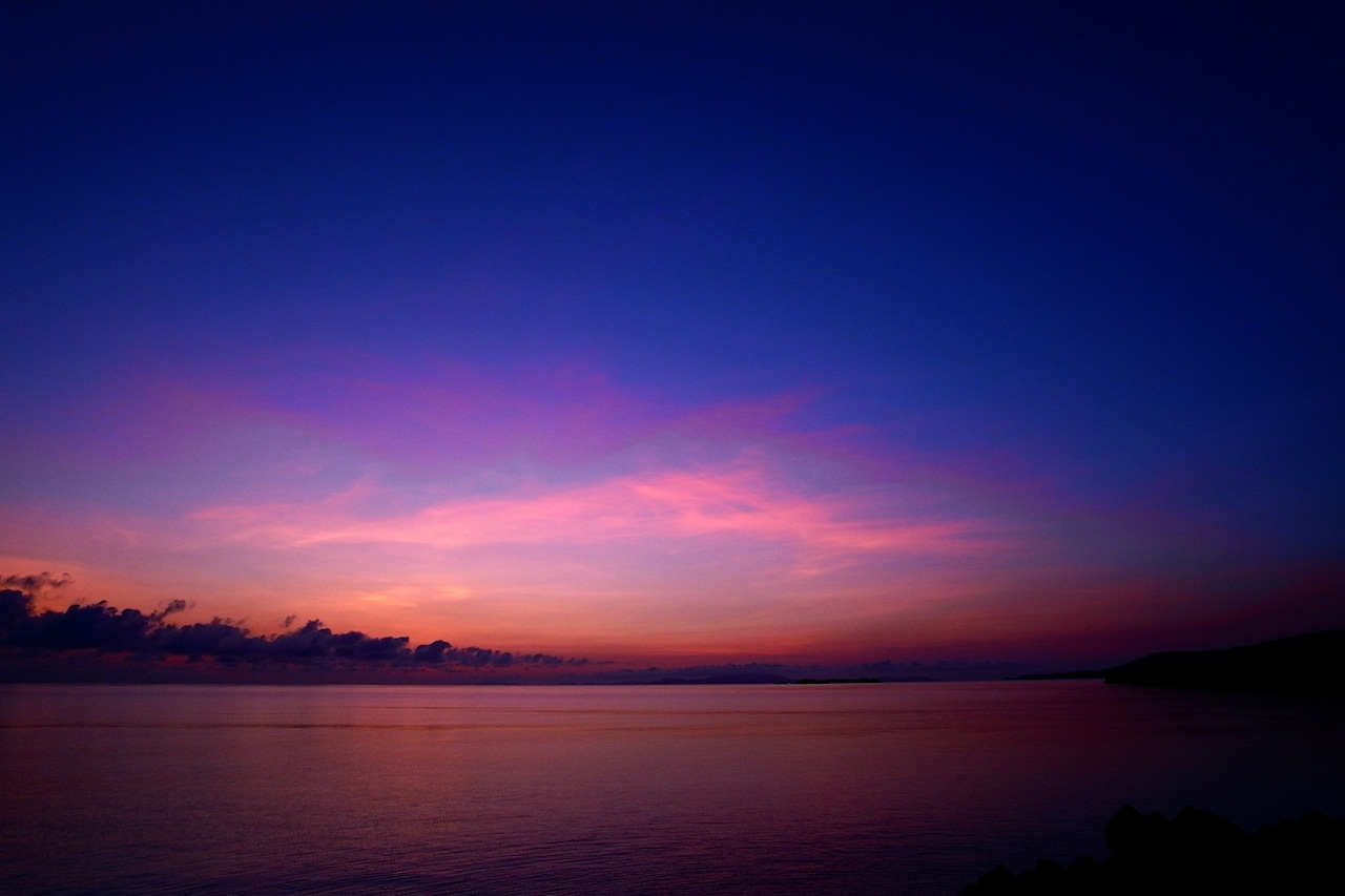 西表島の夕暮れ時の風景
