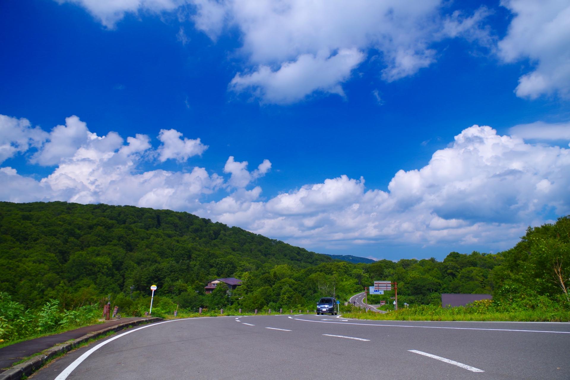 県道のドライブ風景