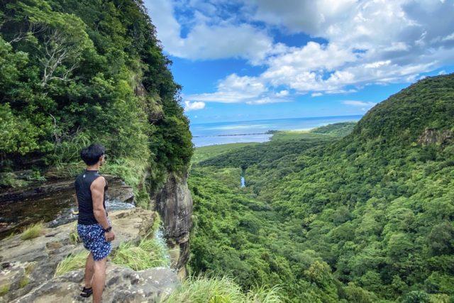 ピナイサーラの滝の上から絶景を望む