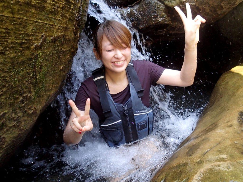 マヤロックの滝つぼ遊び