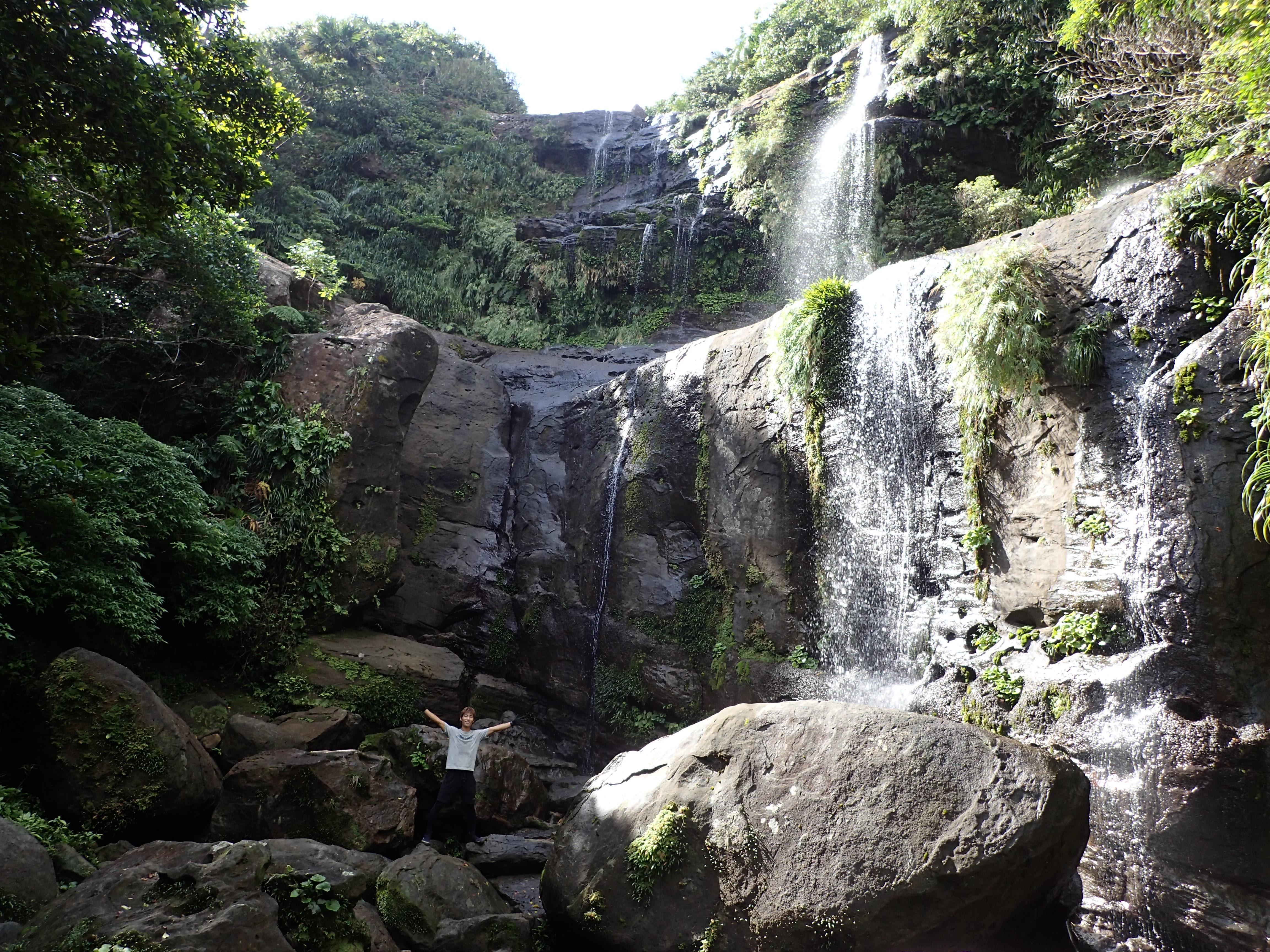 西表島でも有数の大迫力のユツンの滝