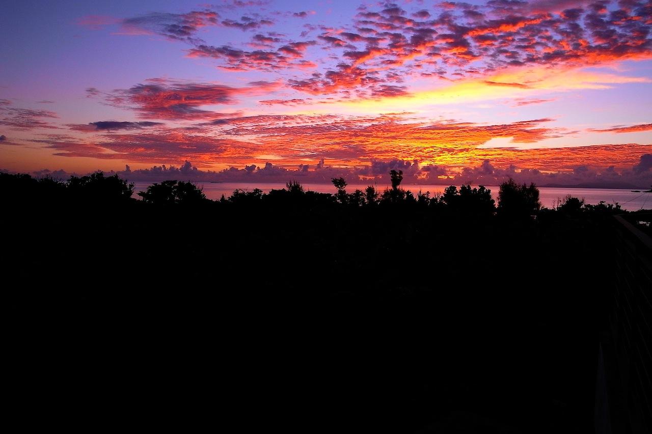朝焼けの西表島