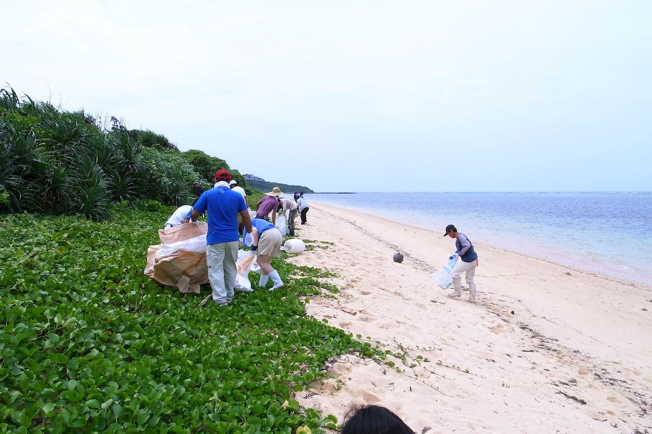 西表島の美しい海岸を守る