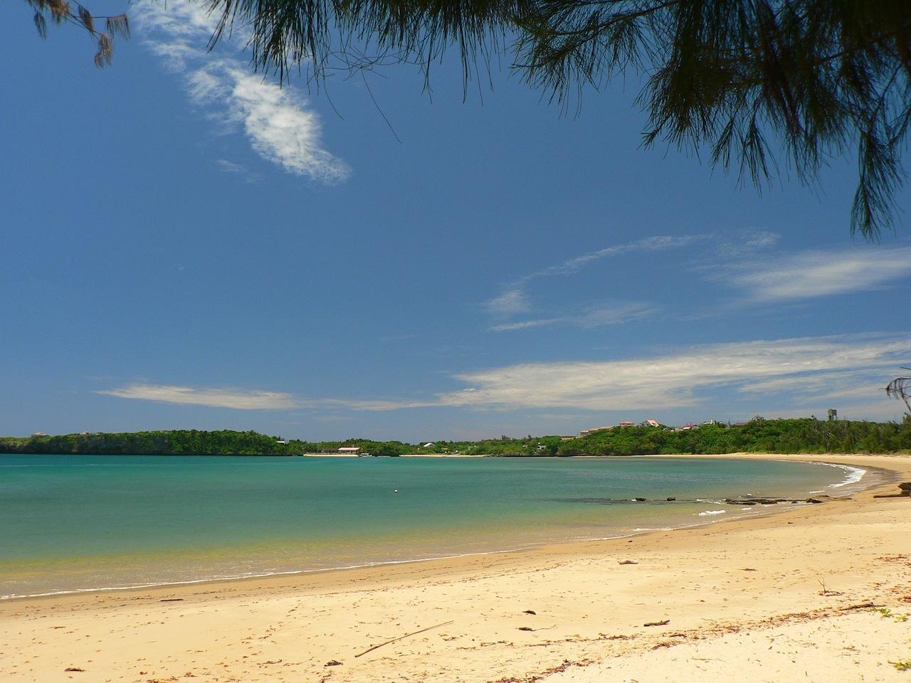 ニラカナイ付近の静かな西表島のビーチ