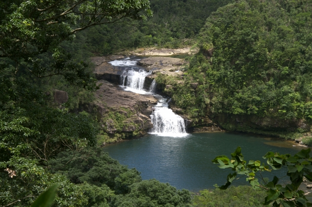 西表の滝百選に選ばれたマリユドゥの滝
