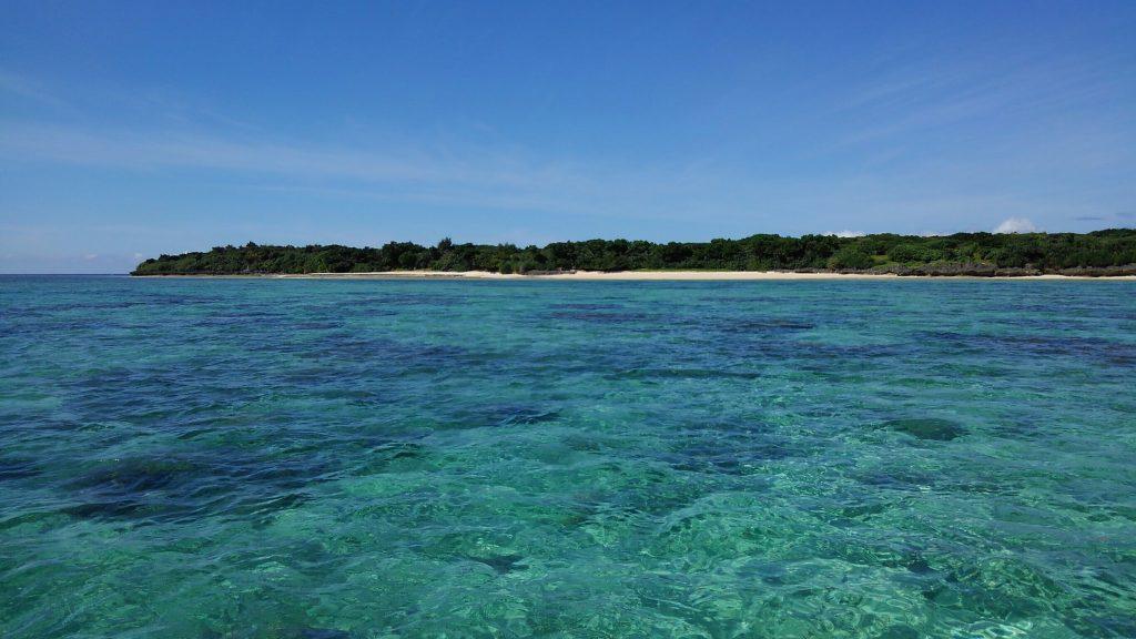 世界一綺麗な海を持つ鳩間島
