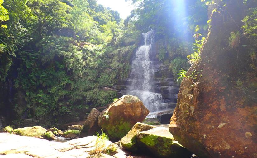 滝下から見たナーラの滝